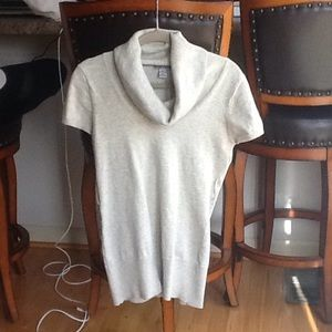 Gray short sleeve sweater